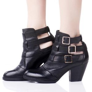 Steve Madden Repp black leather buckle ankle boots